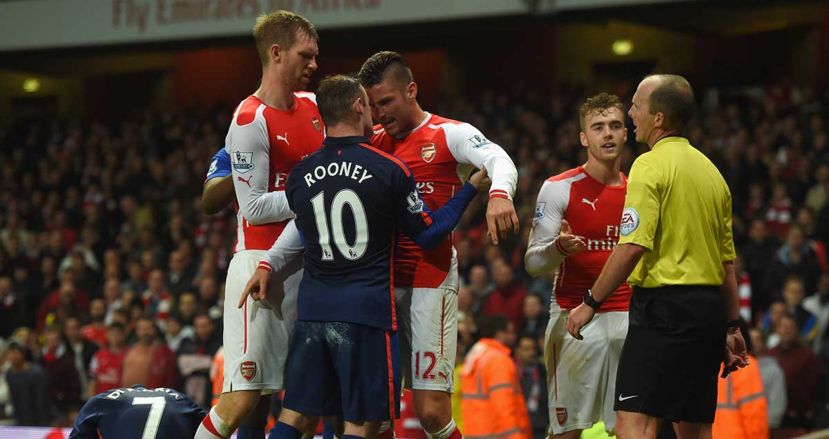 Wayne-Rooney-Olivier-Giroud-angry-Arsenal-Man-Utd