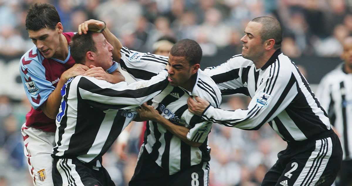 Kieron-Dyer-and-Lee-Bowyer-fighting-Newcastle