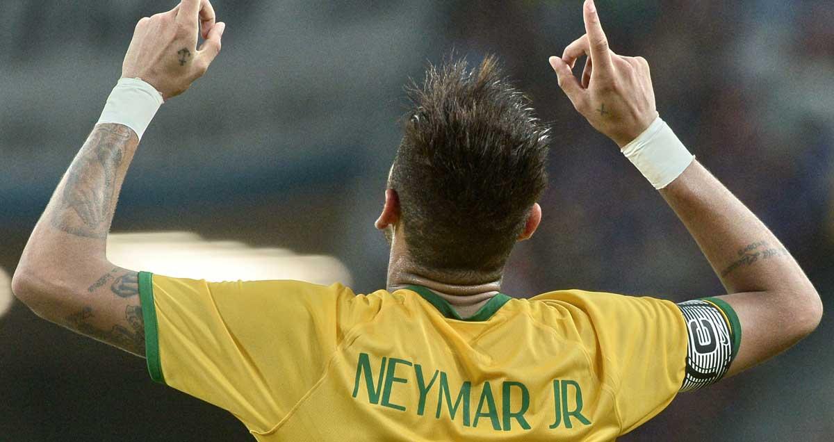 Neymar-celebrates-Brazil-goal