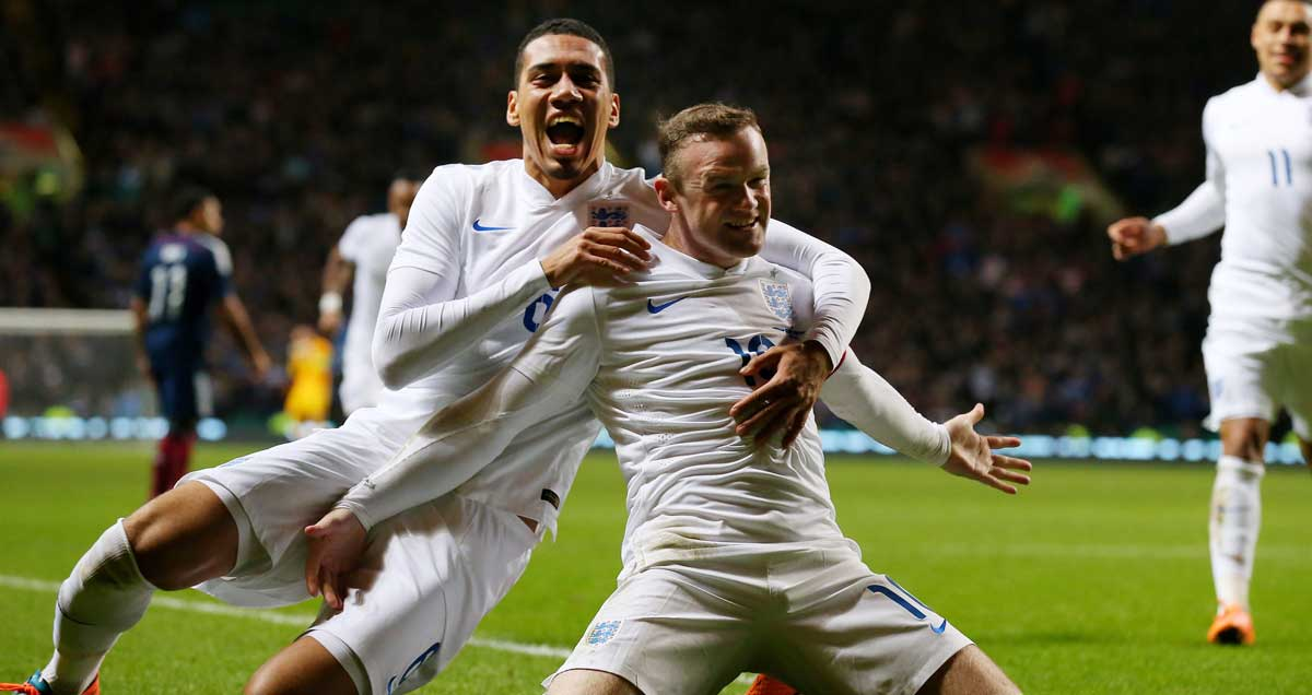 Wayne-Rooney-Chris-Smalling-England