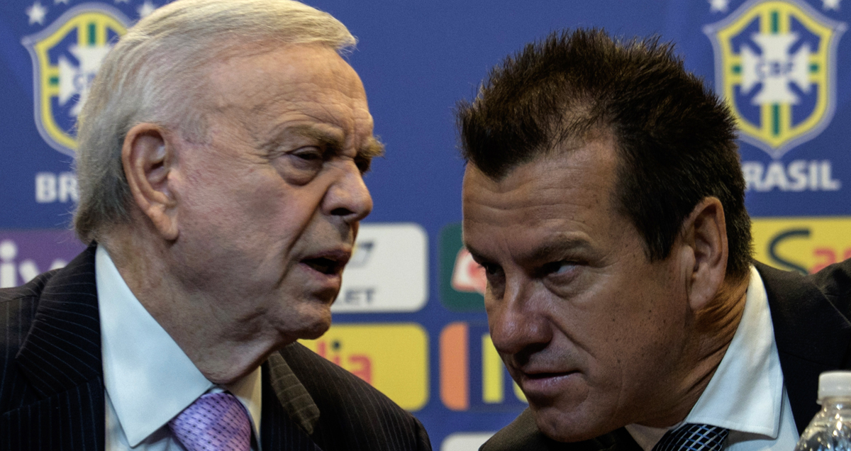 Dunga-discusses-Brazil-business