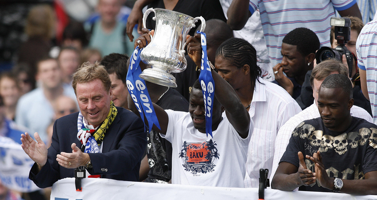 Harry-Redknapp-on-the-Portsmouth-FA-Cup-bus-tour