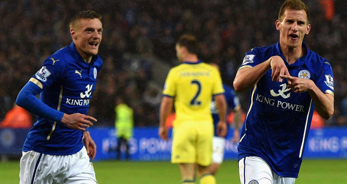Marc-Alrighton-scores-for-Lec=]]iester-v-Chelsea