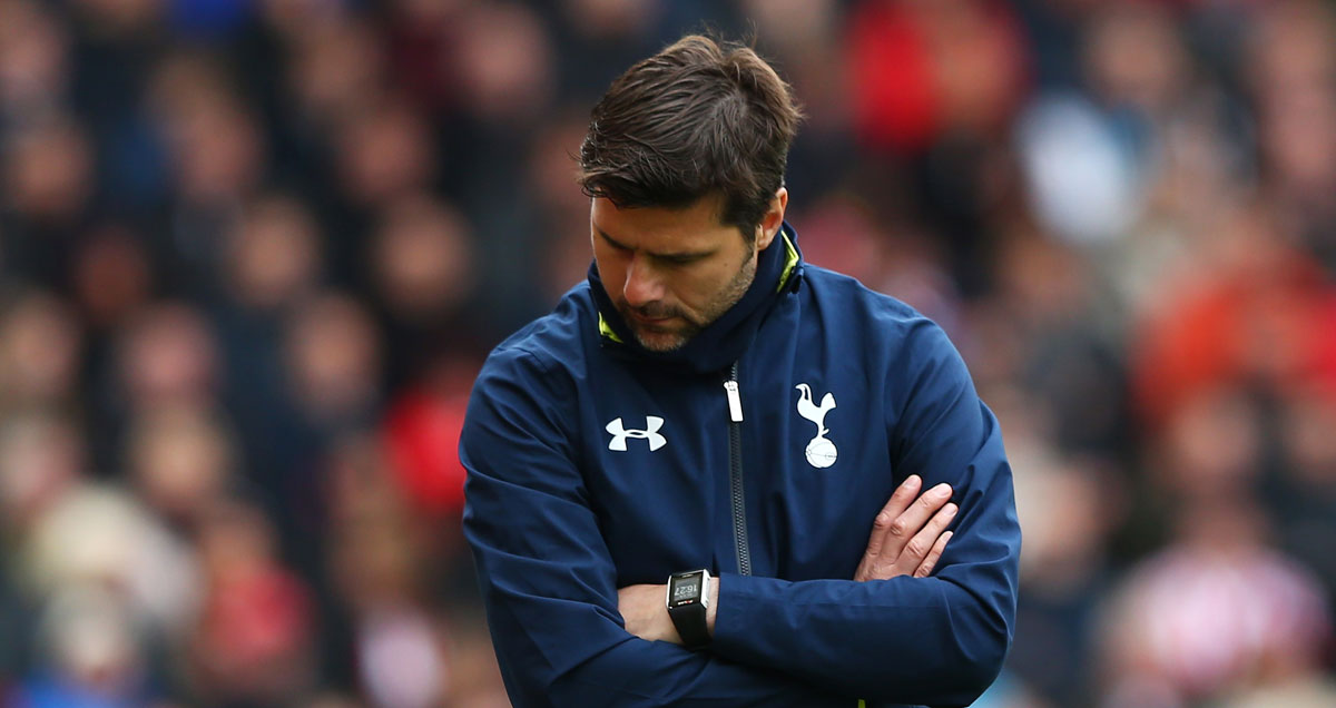 Mauricio Pochettino can't bear to look