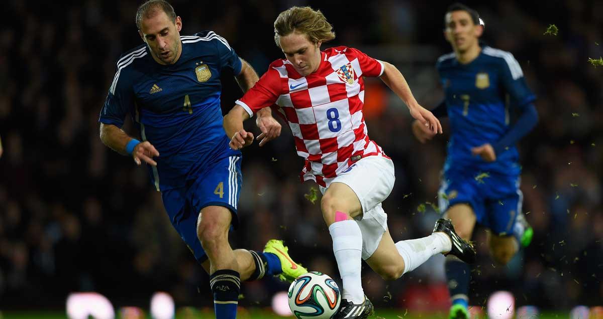 Alen-Halilovic-of-Barcelona-in-action-for-Croatia