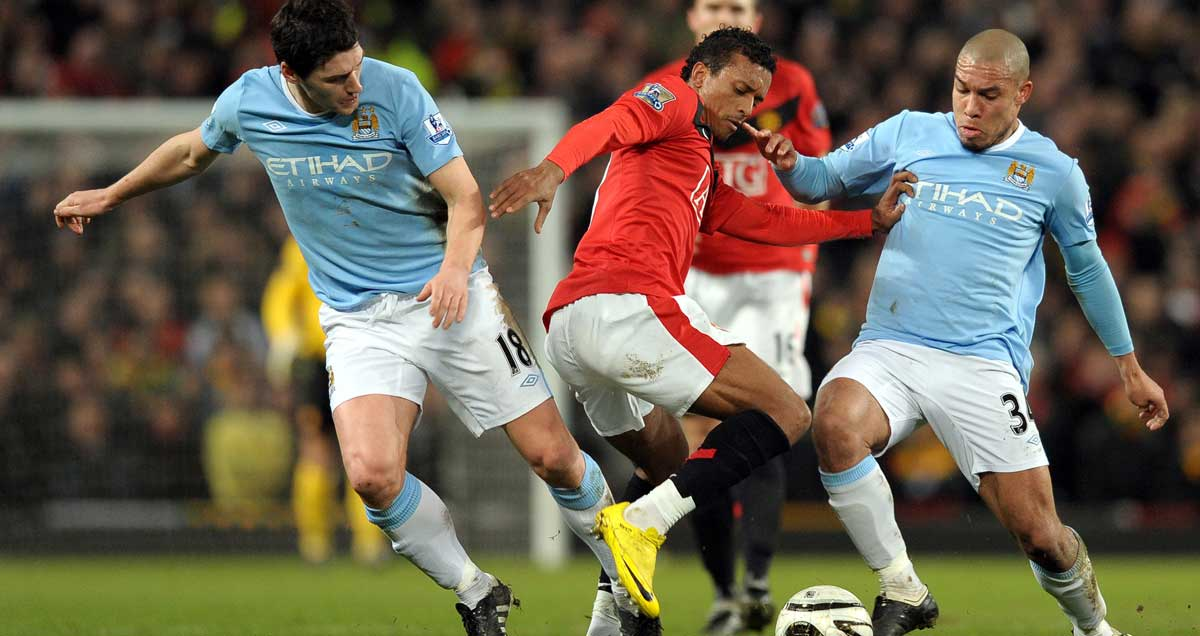 Gareth-Barry-and-Nigel-de-Jong-for-Man-City