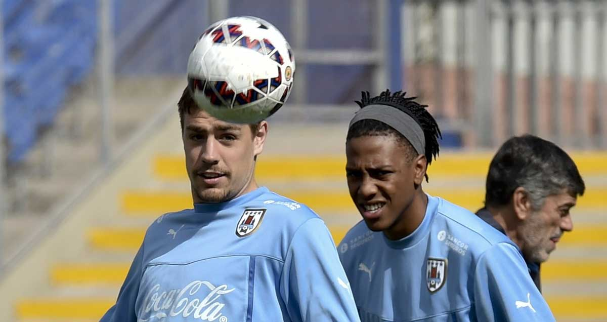 Sebastian-Coates-and-Abel-Hernadez-of-Uruguay