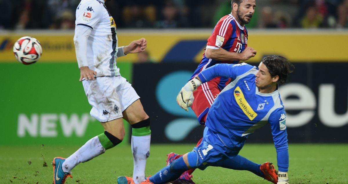 Yann Sommer thwarts Bayern Munich