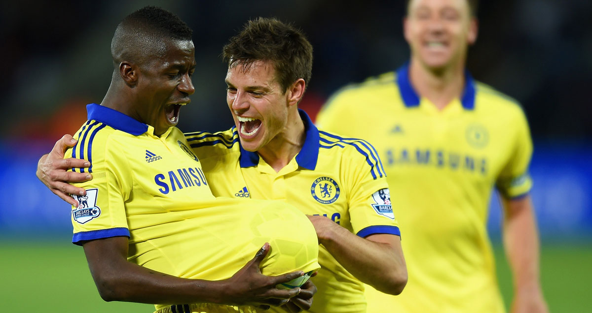 Cesar Azpilicueta expresses his delight when Ramires tells him they're expecting a baby