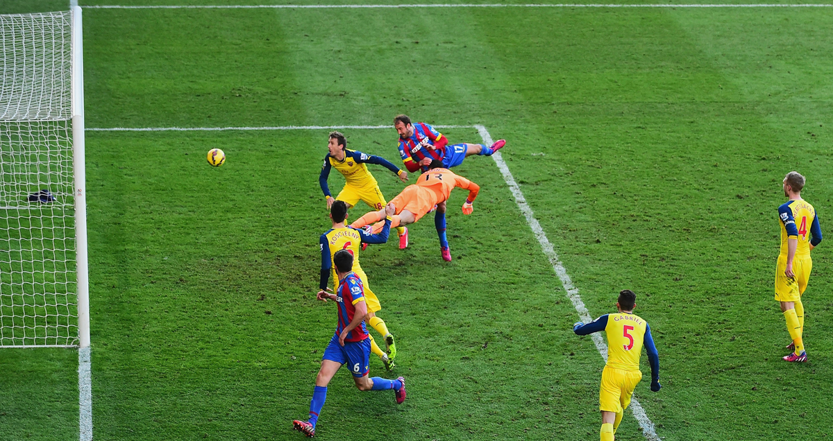 Glenn-Murray-heads-postwards-against-Arsenal