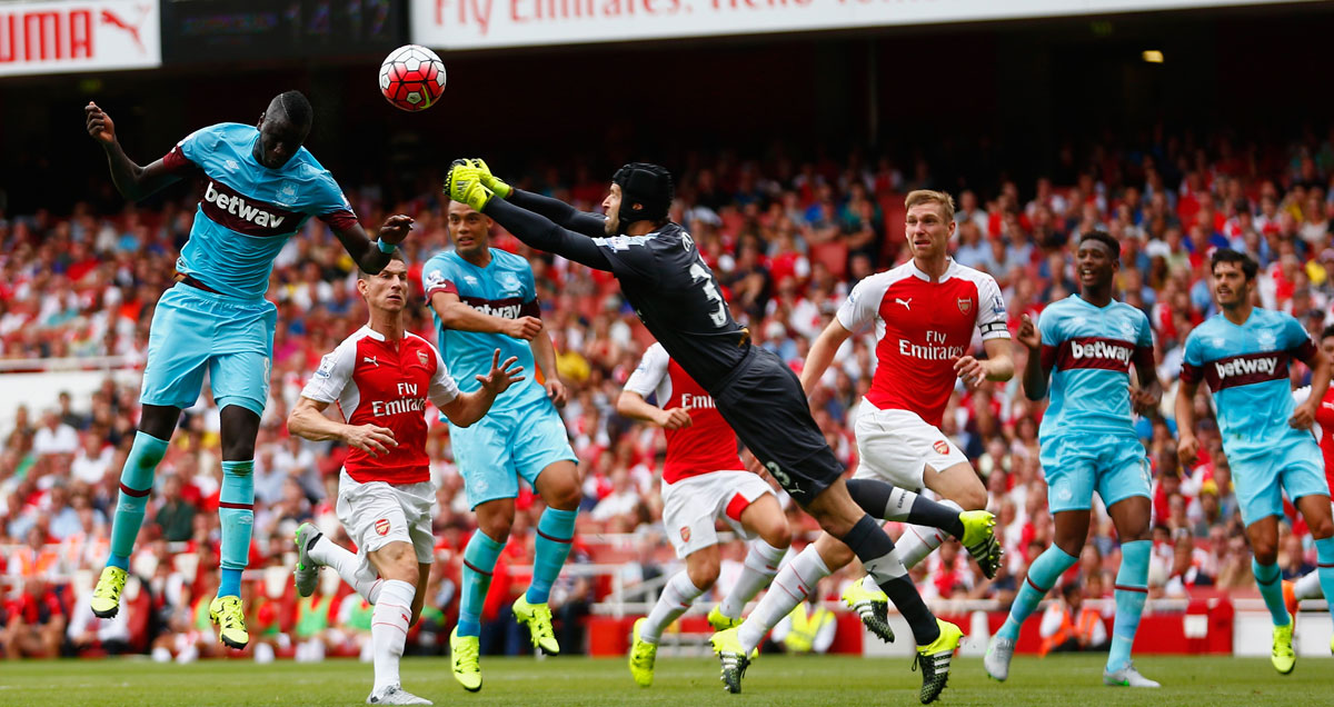 Petr Cech misjudges a free kick, allowing West Ham to score at the Emirates