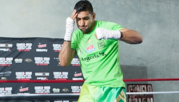 Alvarez favourite to win both the mind games and the fight against Khan