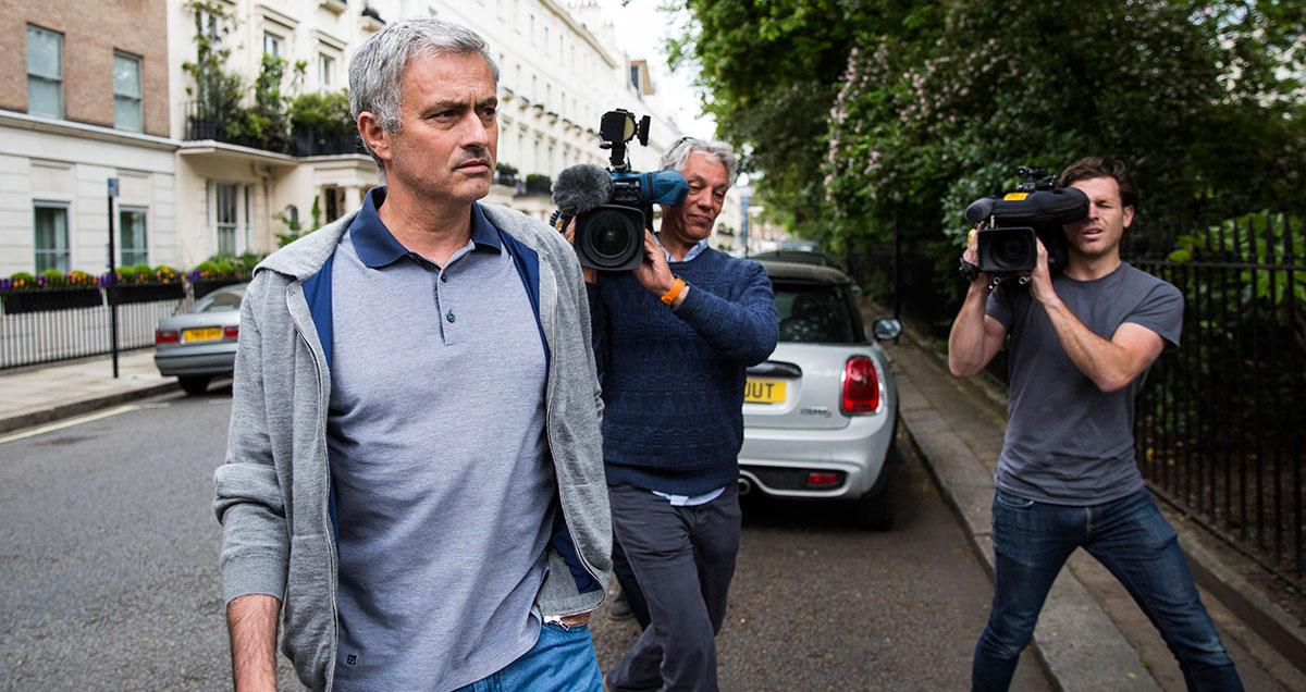 Jose-Mourinho-cameras-Man-Utd