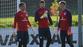 Sunderland stopper must get in line behind Stoke talisman for future England honours