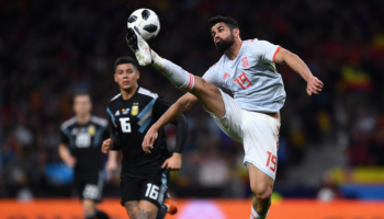 El uno por uno de España: un puesto para tres delanteros