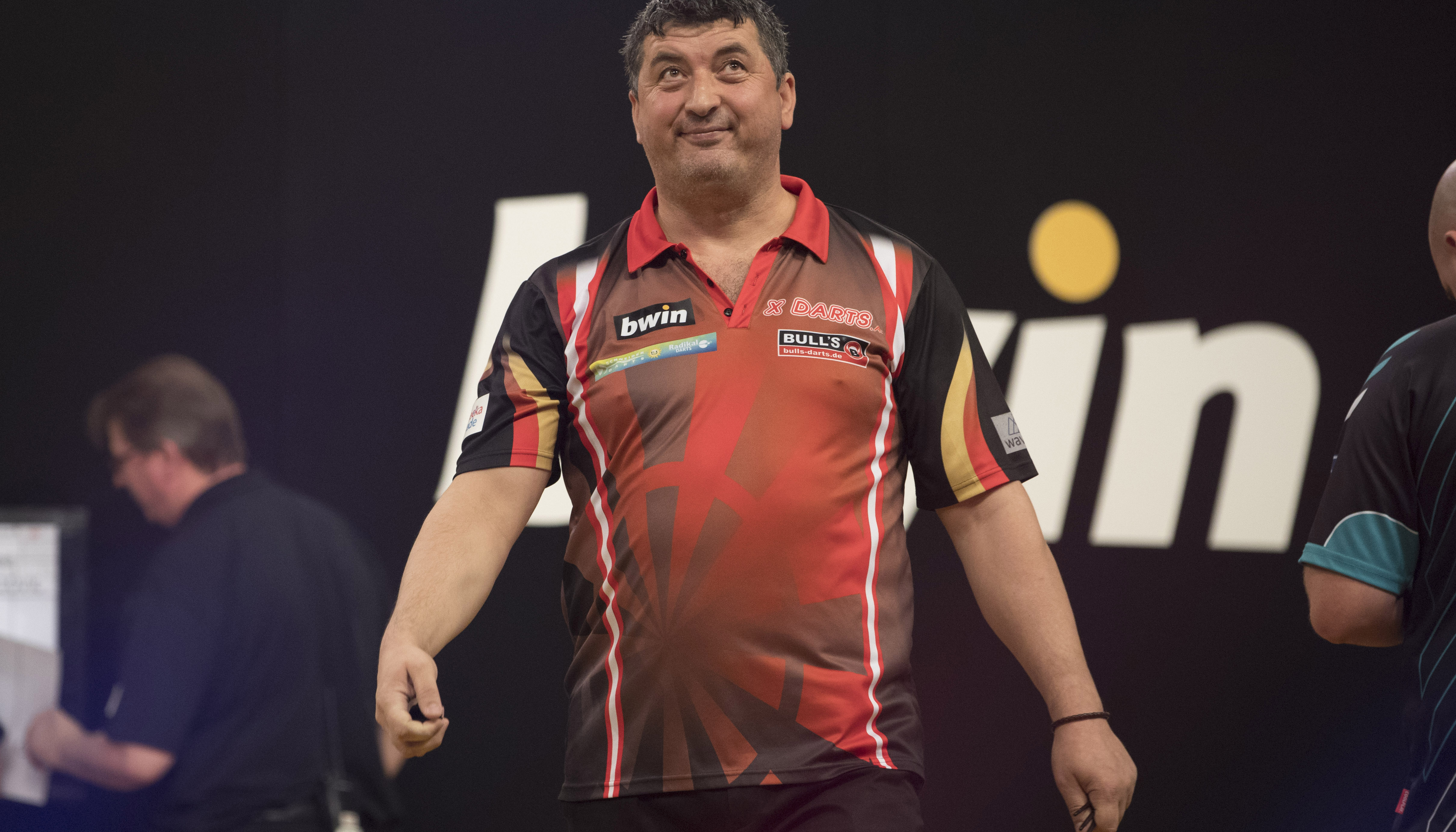 Bwin Grand Slam of Darts: Friday double from Wolverhampton