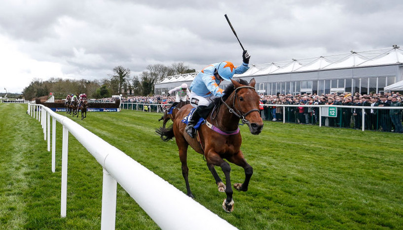 Tingle Creek Chase preview: Un De Sceaux to stun Altior