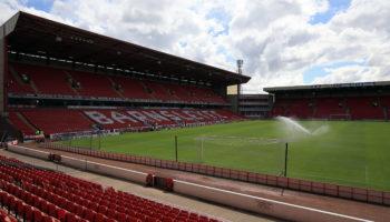 Barnsley vs Reading: Play-off rivals hard to split