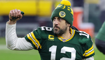 Packers vs Buccaneers: Rodgers backed to edge out Brady