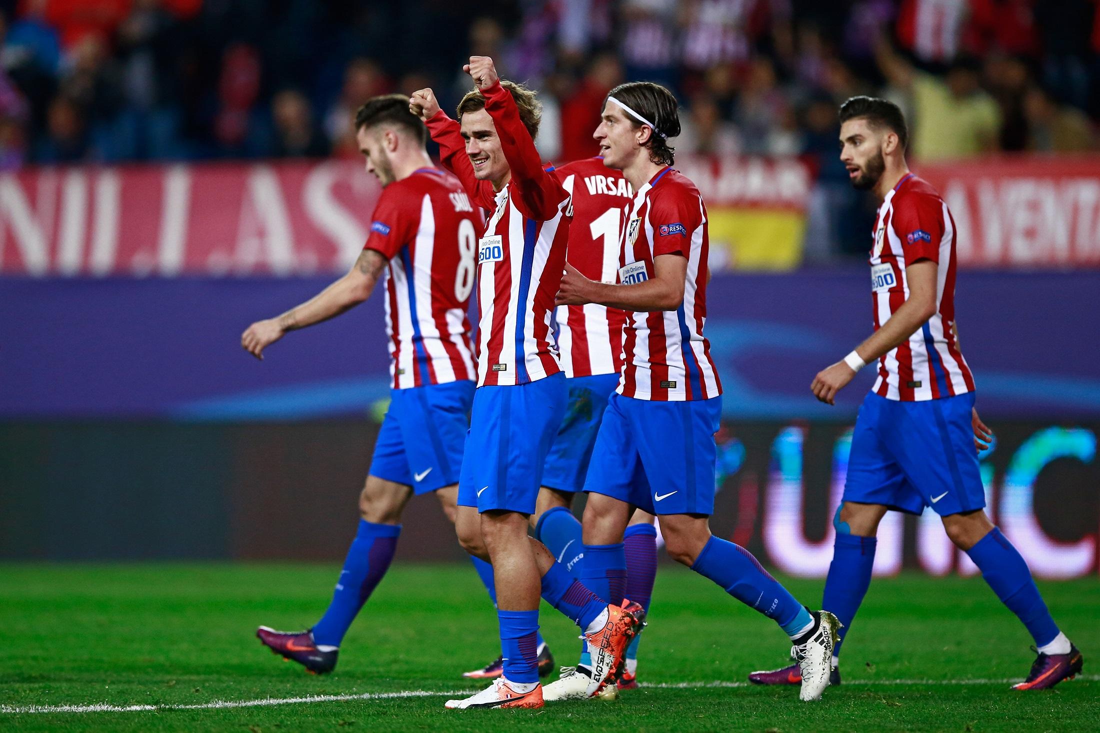 Los jugadores del Atlético de Madrid celebran un tanto en la primera fase de la Champions League 16/17.