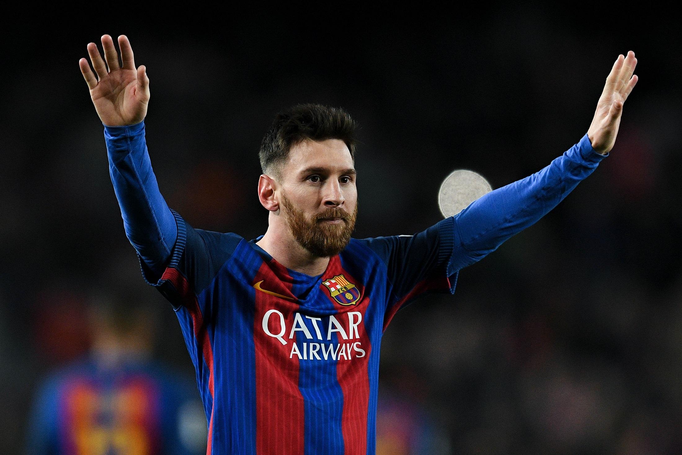 Messi ya acaricia su Bota de Oro e iguala a Cristiano Ronaldo