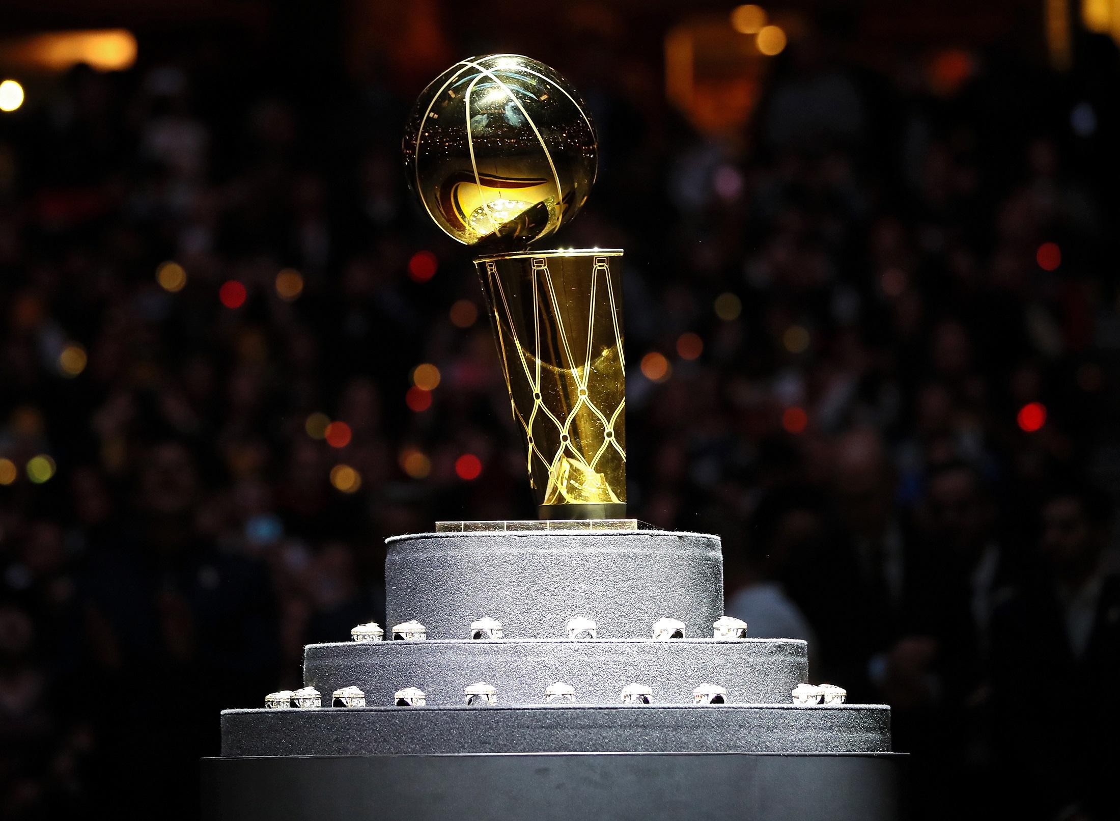 ¿Apuestas por Cavaliers o Warriors en el inicio de las Finales NBA?