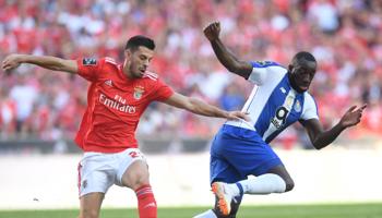 """Benfica-Oporto: máxima tensión en """"O Clássico"""" portugués, que definirá un finalista de la Copa de la Liga"""