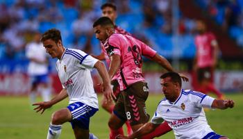 Real Zaragoza-Extremadura, la solidez de los blanquillos choca con la desesperación de los azulgrana