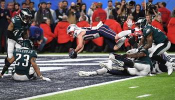 Patriots vs Rams: Ο θρύλος Brady κόντρα στον ενθουσιασμό του L.A.!