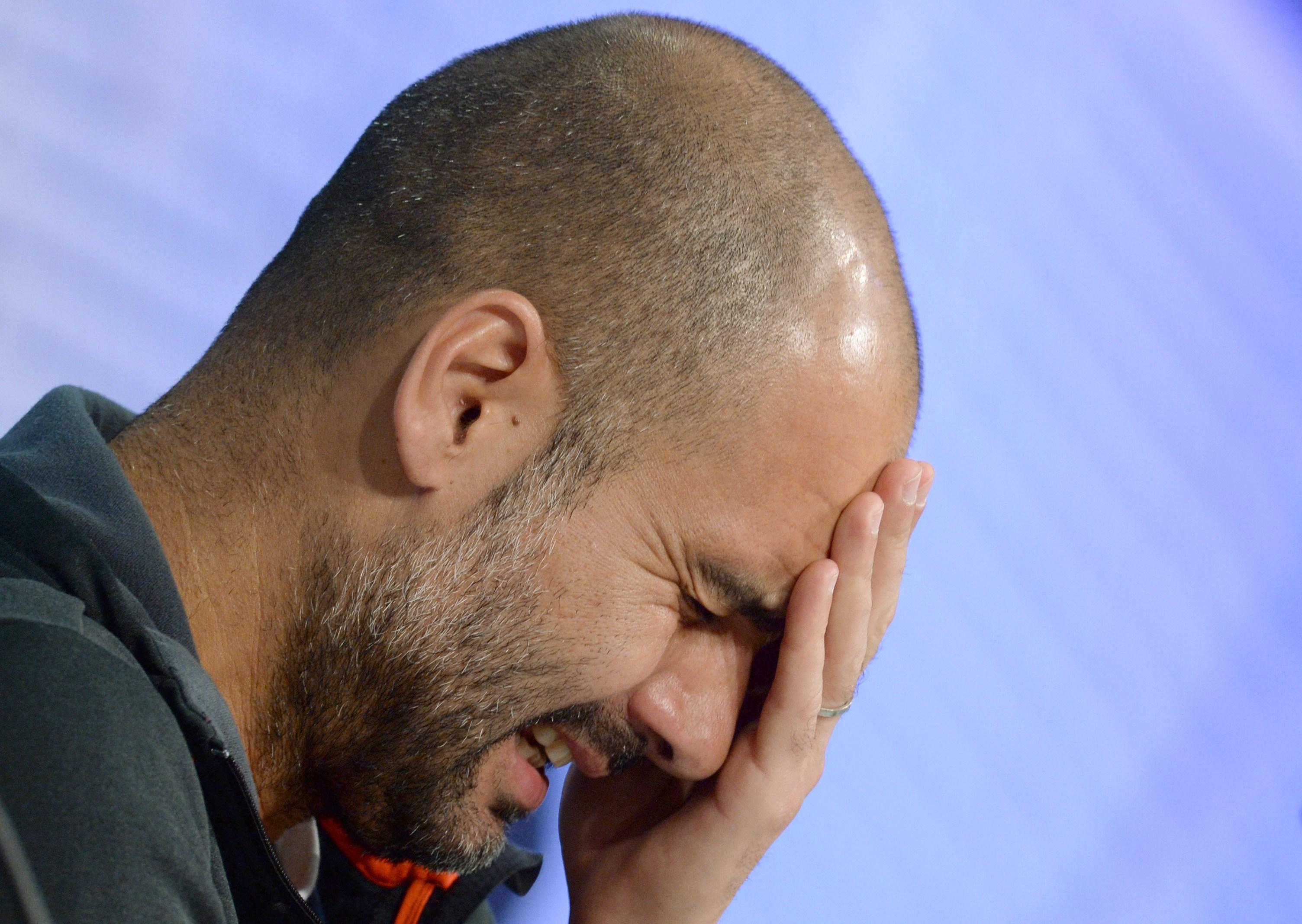 Pep Guardiola in conferenza stampa dopo l'eliminazione del Bayern in semifinale di Champions