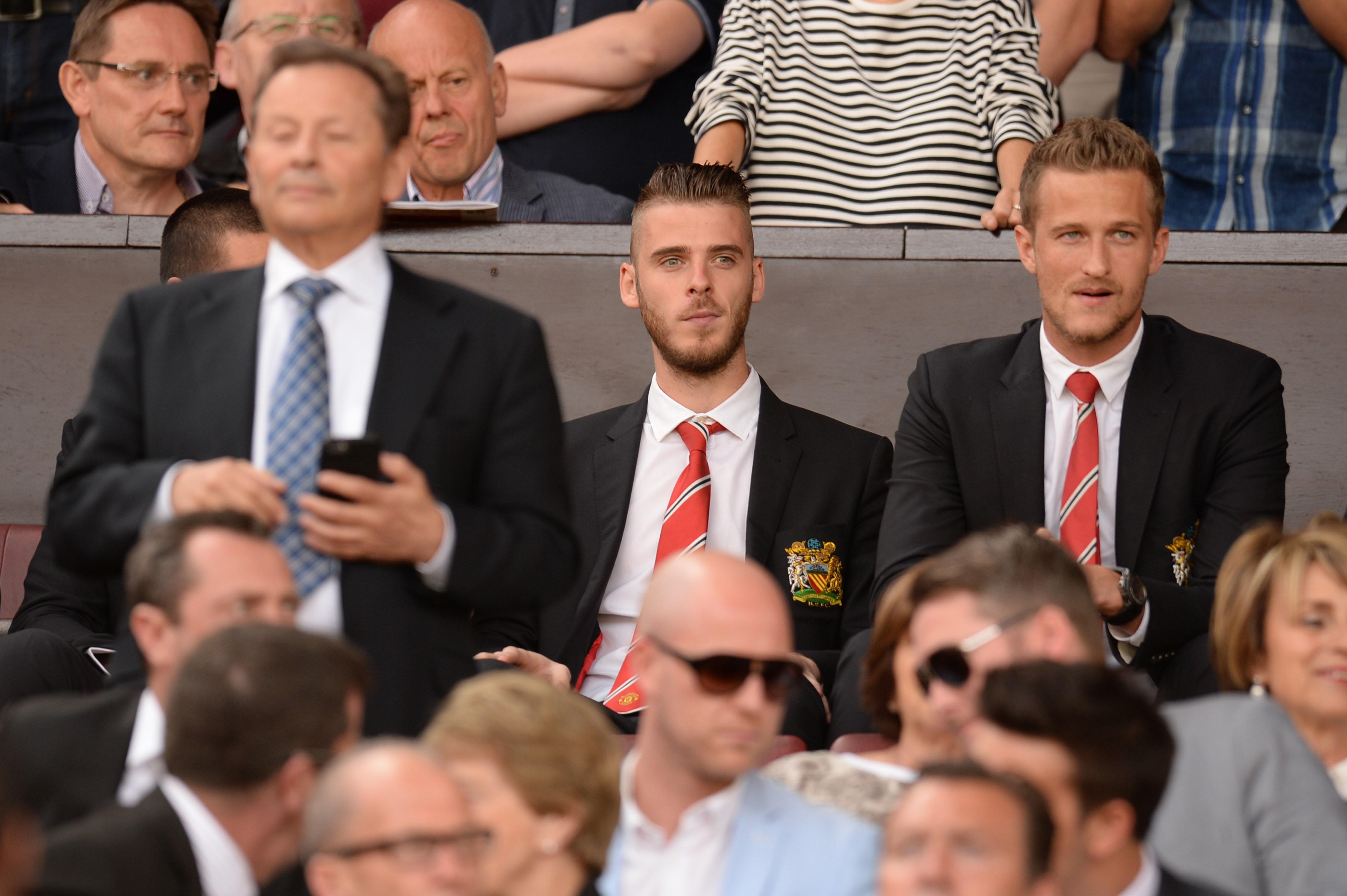 David De Gea guarda i compagni del Man United dalla tribuna durante il match contro il Tottenham