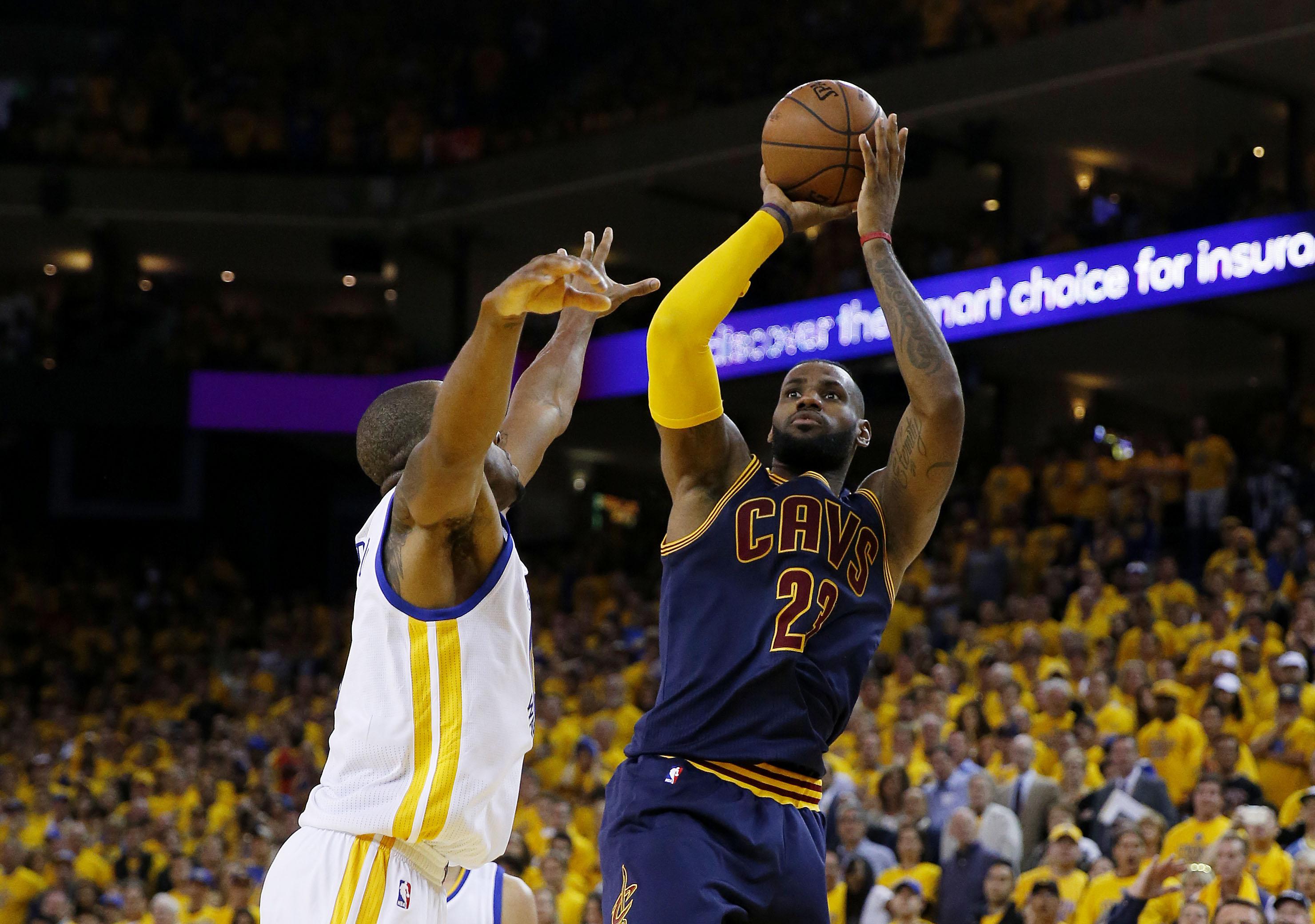 LeBron James, nonostante delle Finals da 30 punti di media, non è riuscito a portare i Cavs all'anello il primo anno