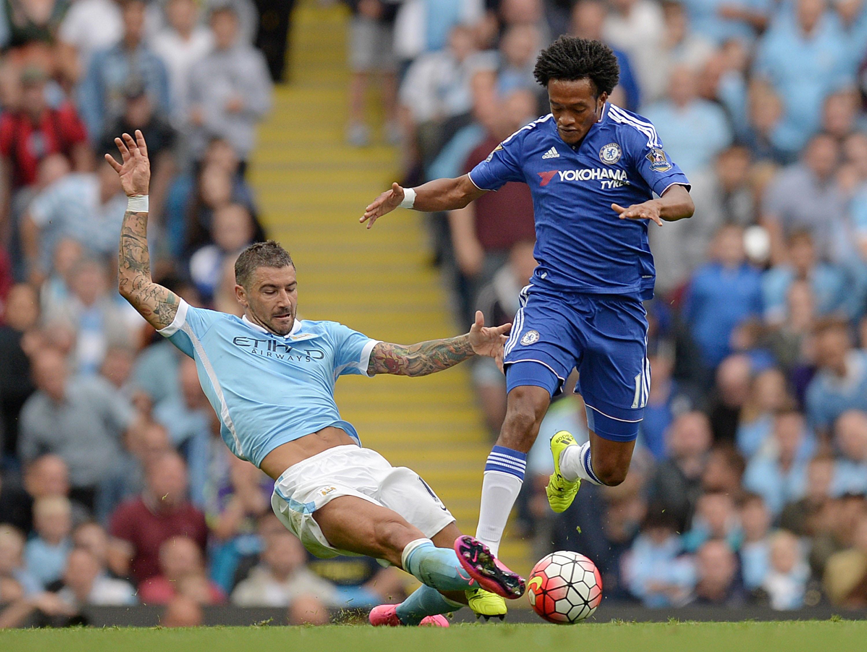 Juan Cuadrado con la maglia del Chelsea nel recente match con il Man City