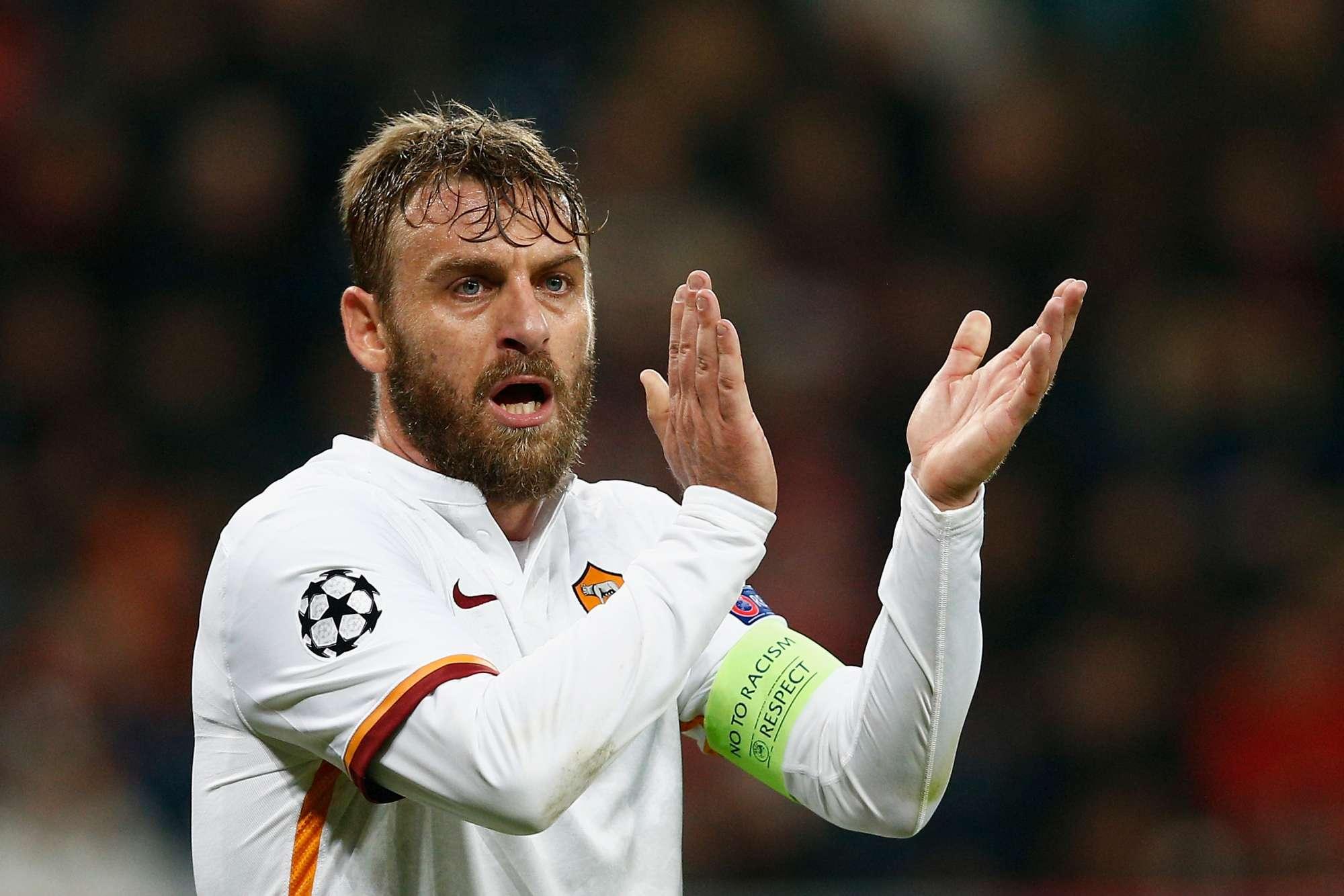 De Rossi, capitano della Roma in assenza di Totti