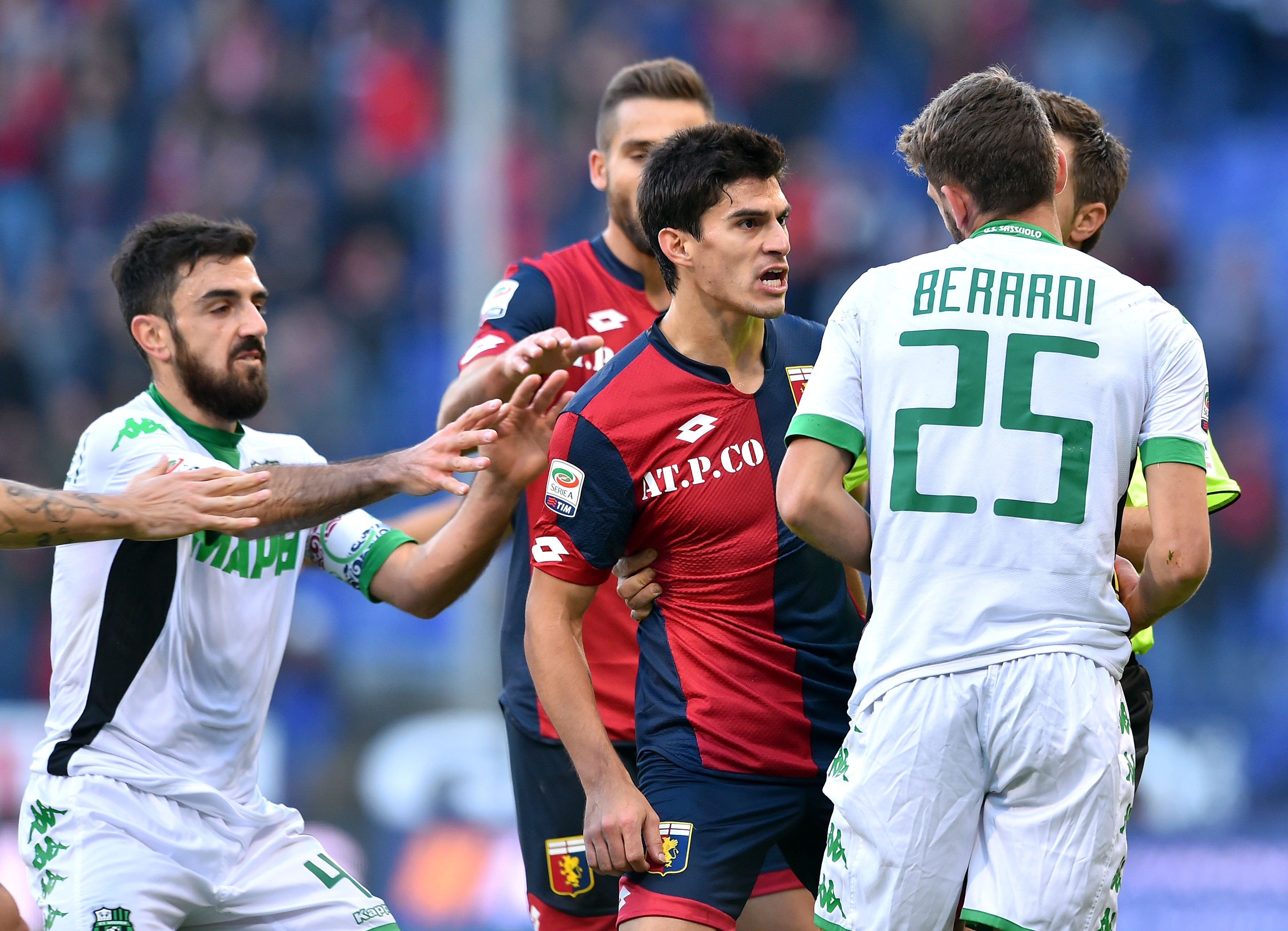 GENOA, ITALY - NOVEMBER 22: Diego Perotti of Genoa CFC argues with Domenico Berardi of Sassuolo during the Serie A match between Genoa CFC and US Sassuolo Calcio at Stadio Luigi Ferraris on November 22, 2015 in Genoa, Italy. (Photo by Getty Images/Getty Images)