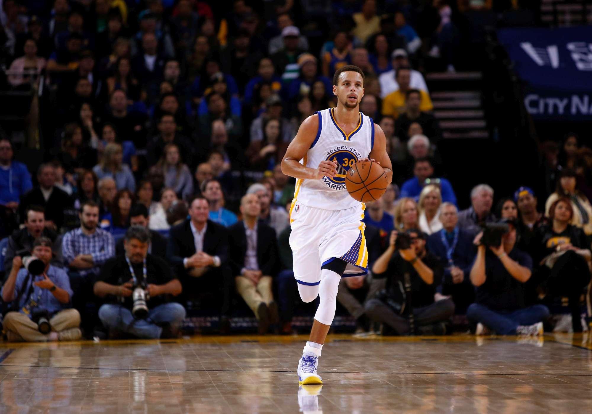 Steph Curry è stato eletto MVP all'unanimità per la prima volta nella storia