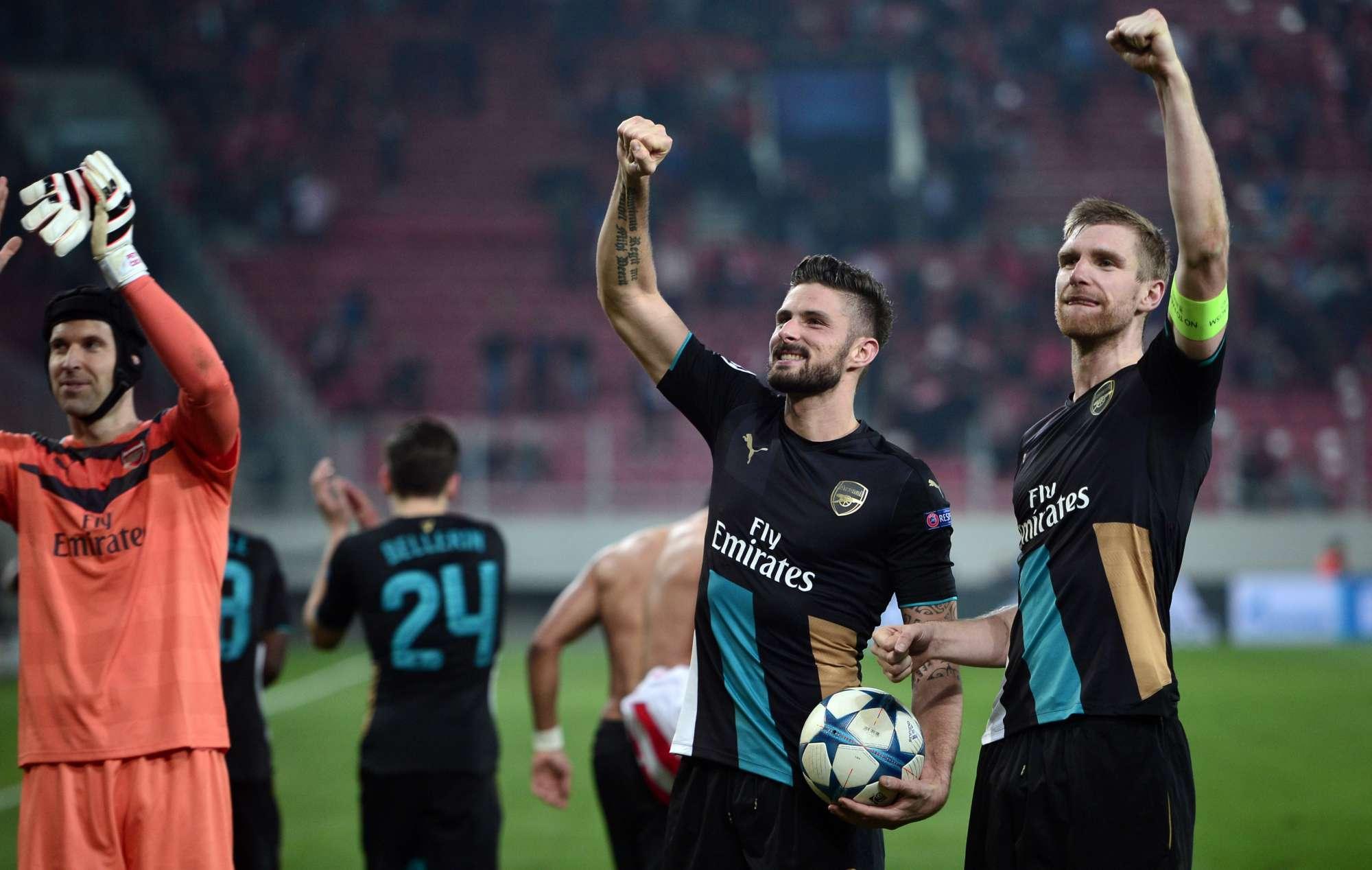 L'esultanza di Giroud, capocannoniere dell'Arsenal con 10 gol