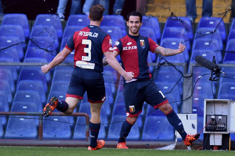 Ansaldi e Suso festeggiano un gol