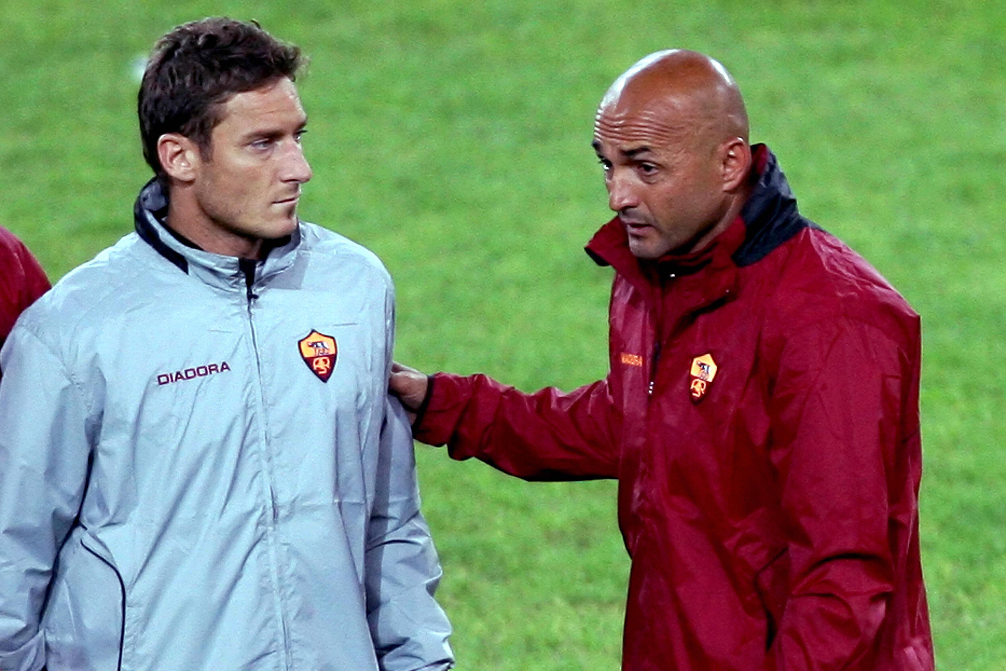 Stagione 2006/07: Luciano Spalletti insieme a capitan Totti durante la sua prima esperienza da allenatore della Roma