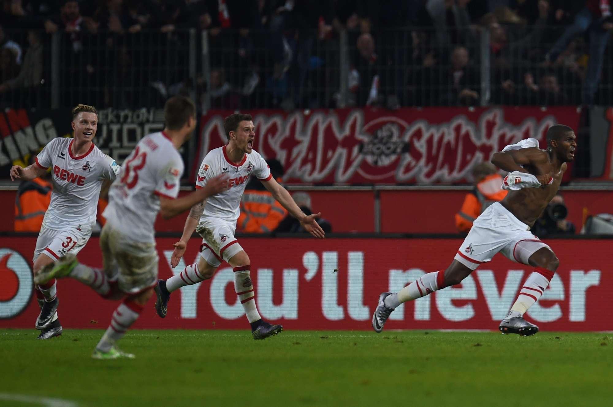 L'esultanza dei giocatori del Colonia dopo il gol vittoria col BorussiaDortmund