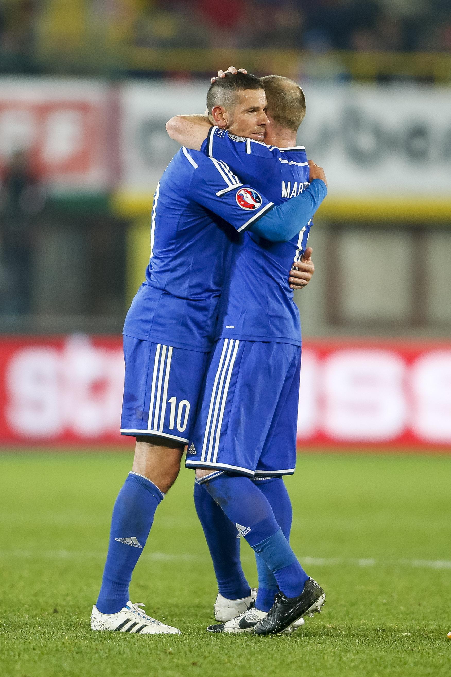 Il tributo di Buchel a Frick, che contro l'Austria ha giocato la sua ultima partita con la maglia del Liechtenstein
