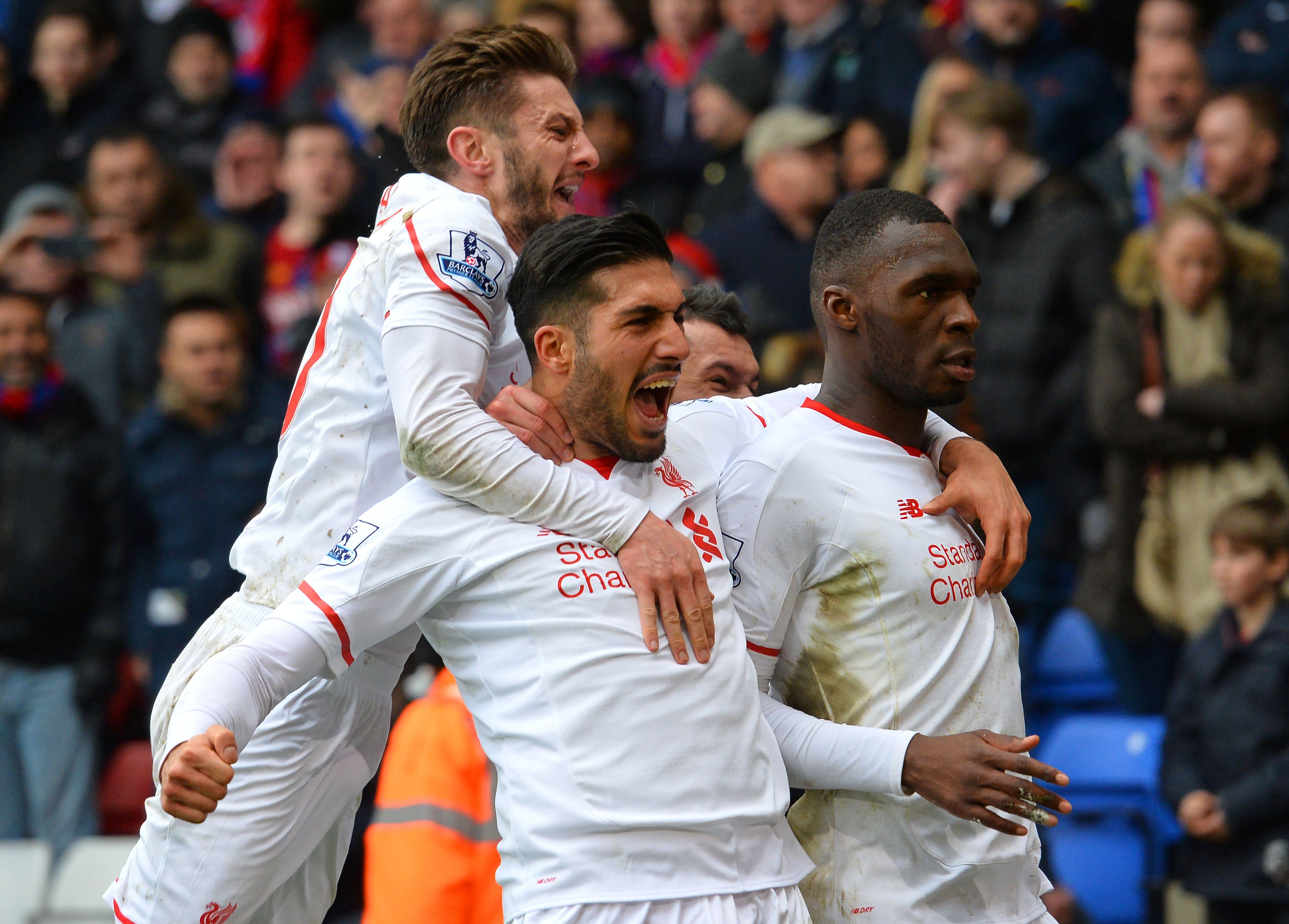 I giocatori del Liverpool esultano dopo il gol decisivo di Benteke del 2-1 contro il Crystal Palace