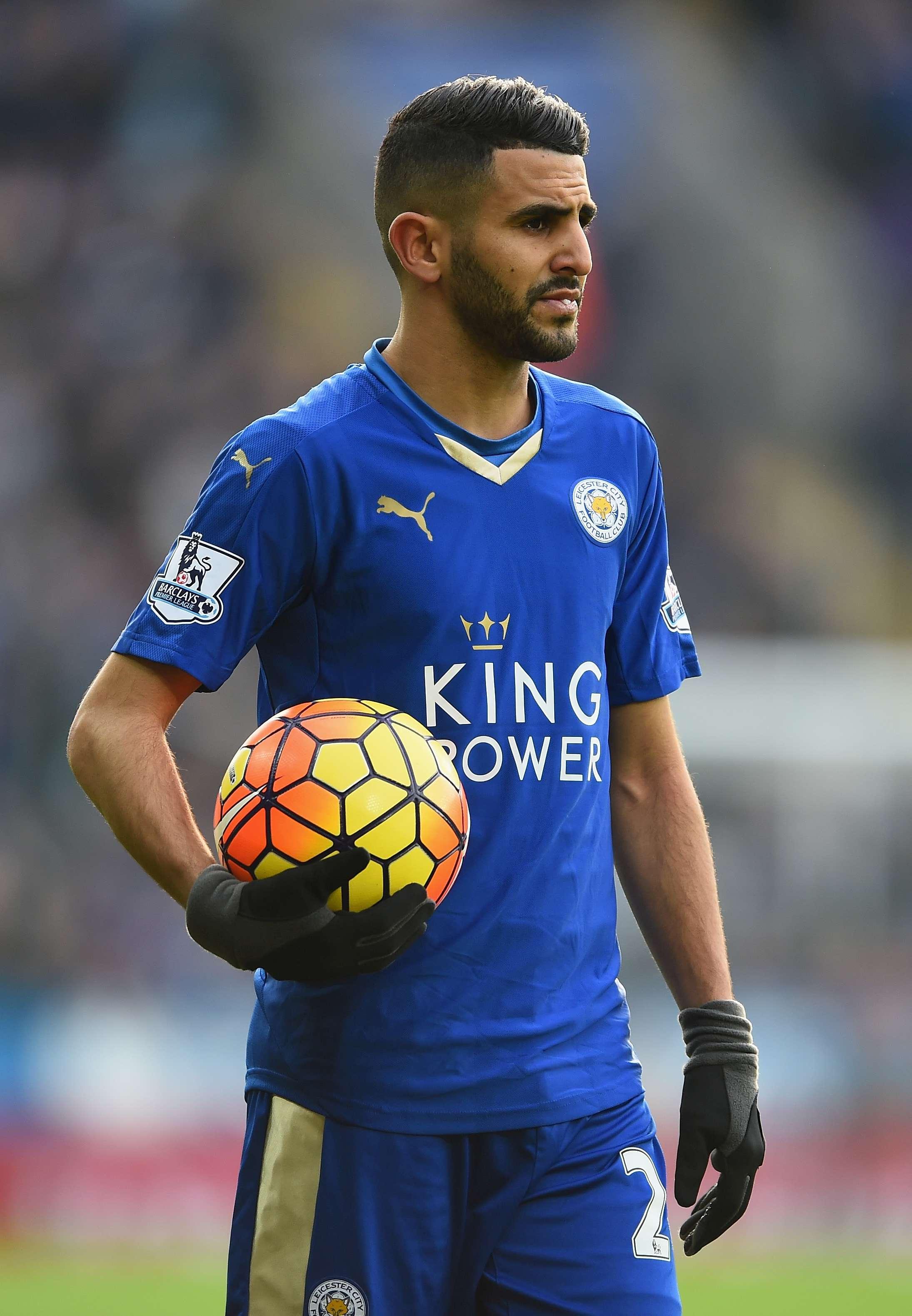Mahrez, autore del gol vittoria con il Crystal Palace, è uno dei protagonisti della favola Leicester