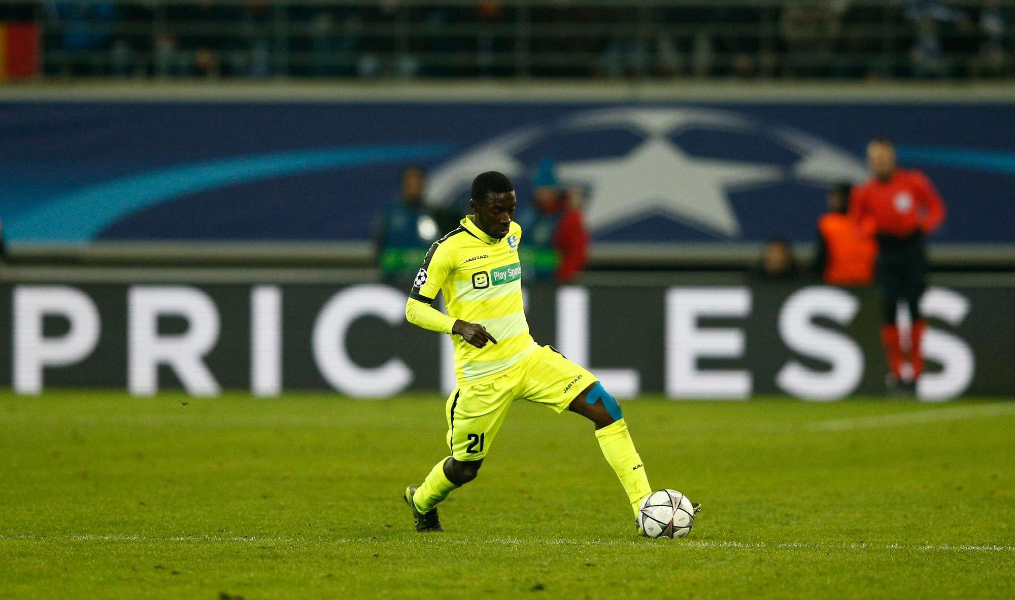 Nana Asare del Gent, durante il match dell'andata con il Wolfsburg