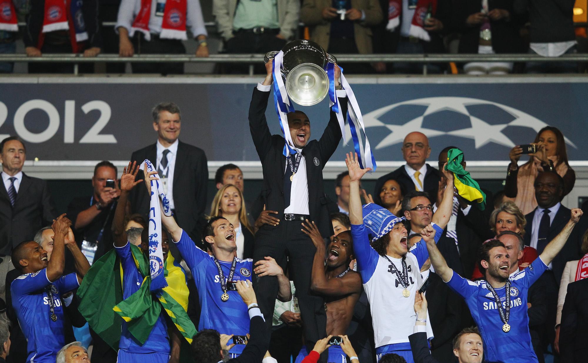 Roberto Di Matteo festeggia la Champions League 2011/12 vinta con il Chelsea