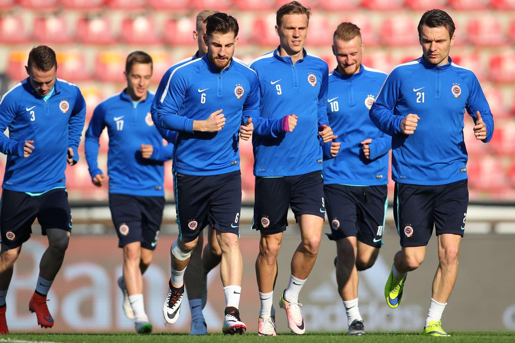 Lo Sparta Praga in allenamento in vista del match di questa sera con il Villarreal