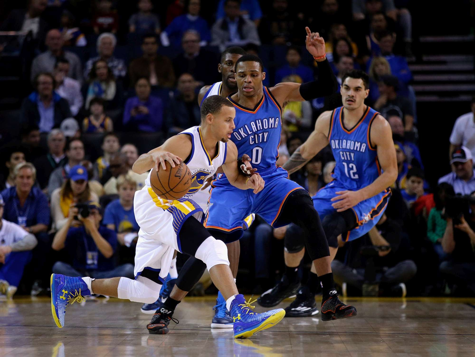 Westbrook con l'Mvp uscente Steph Curry