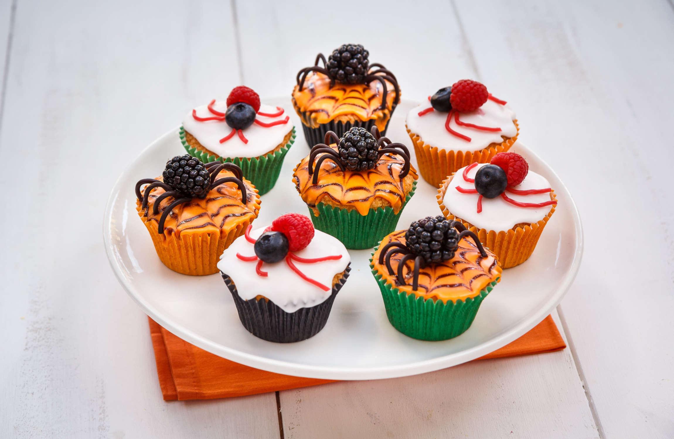 Berry Spooky Halloween Cupcakes