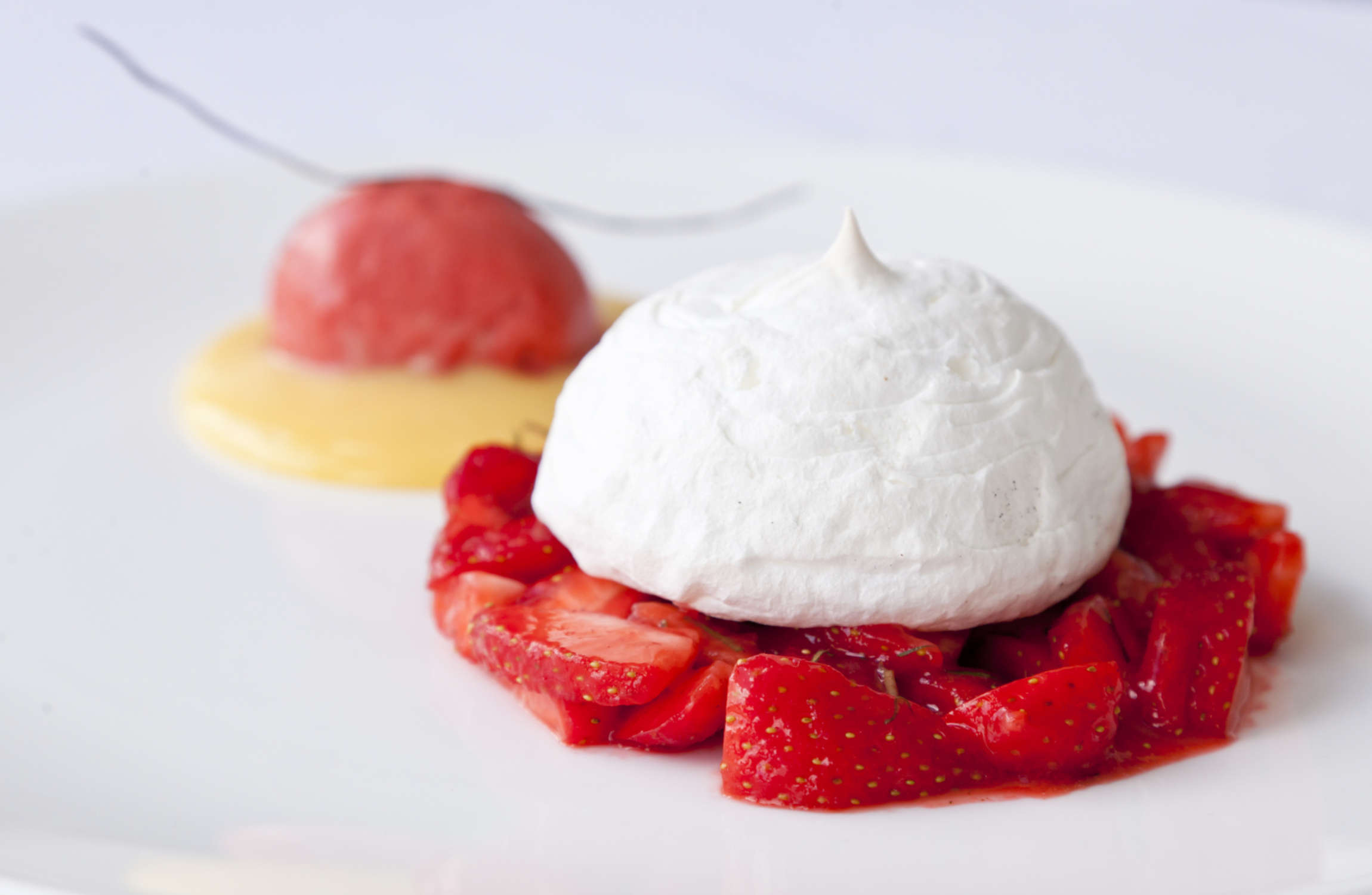 Soft Lemon Meringue with Strawberry Salad