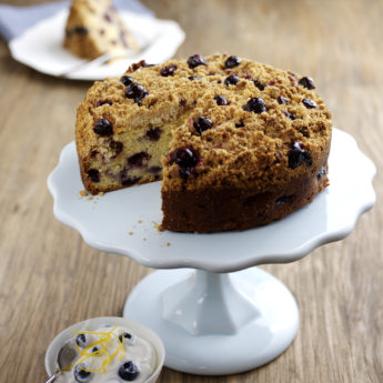 Blueberry & Apple Crumble Cake